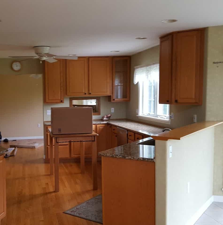 update kitchen with oak cabinets without painting them - before