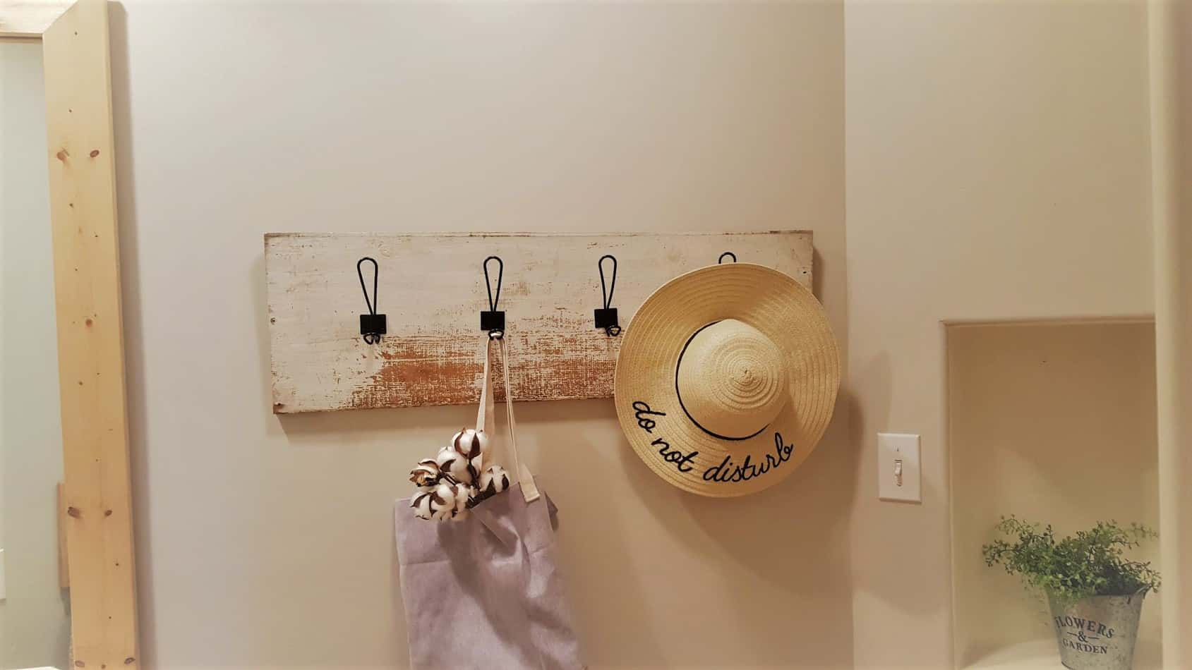farmhouse diy coat rack