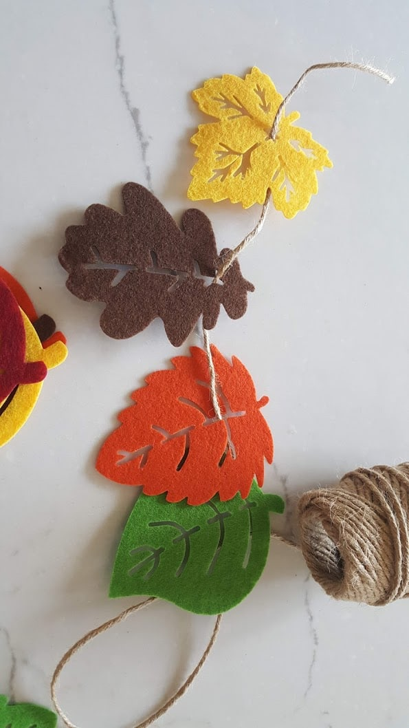 DIY Dollar Store Felt Leaf Fall Garland