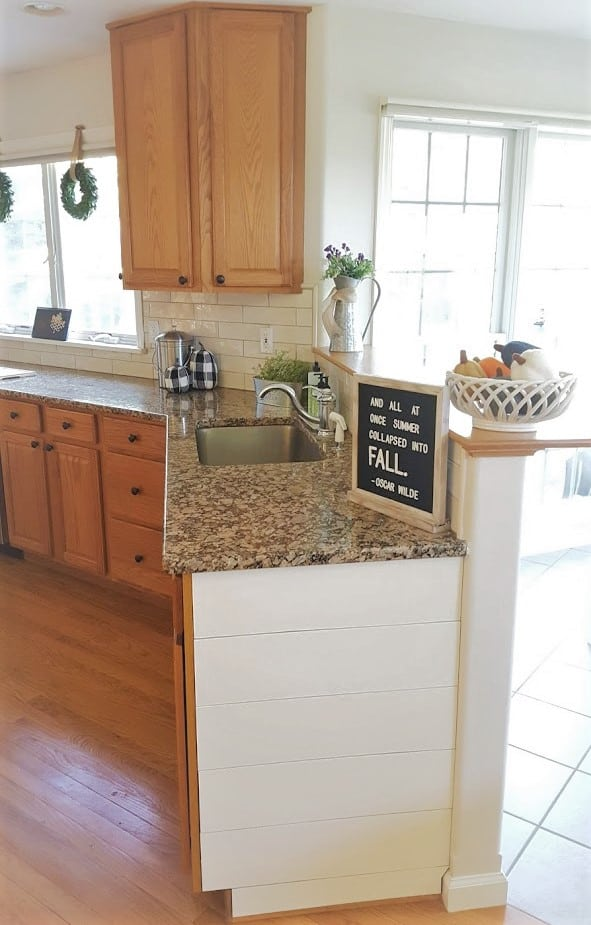 White or Wood Cabinets – Which is the Better Choice For Your Kitchen?